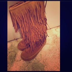 Shoes - Moccasin Boots Size 8